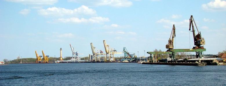 Przejazdy marynarzy na podmiany na statkach